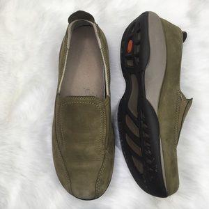 Merrell 8.5 Primo Moc 2 Green Suede Walking Shoe